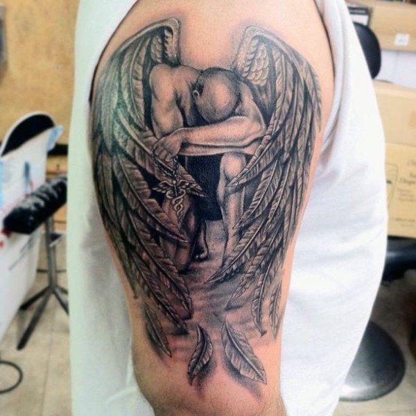 Image Result For Angel Tattoos For Men Tatuajes De Angel Para Hombres Angel Caido Tatuaje Tatuajes De Angeles Guerreros