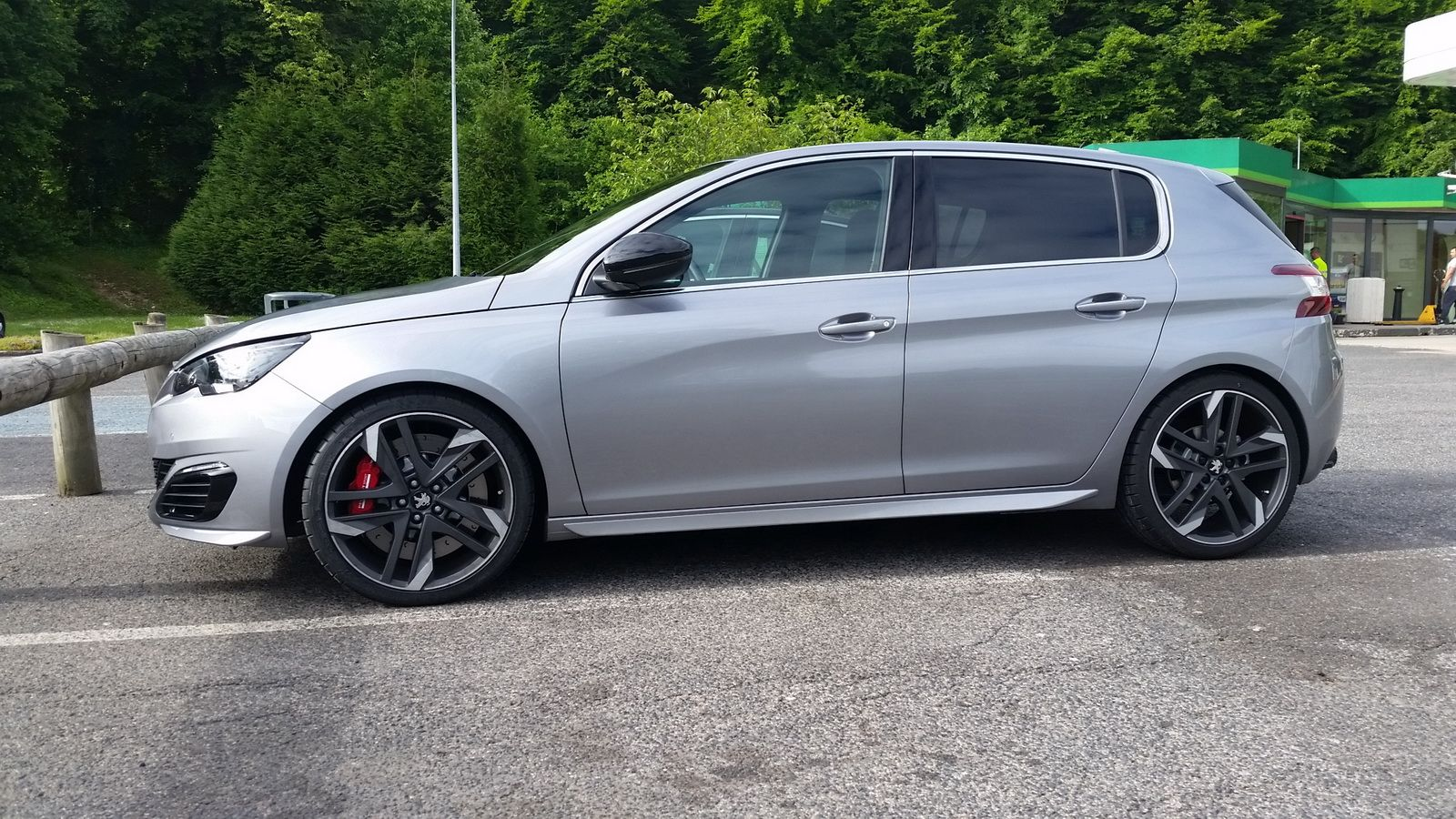 New Peugeot 308 Gti Surfaces On The Net Ahead Of Its Debut Carscoops Peugeot 308 Peugeot Gti