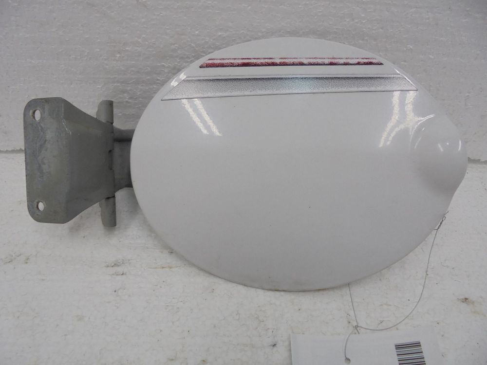 Ford Escape Fuel Tank Filler Door White Oem 5l8z78405a26aa 01 02 03 04 05 06 07 Ford Ford Used Car Parts