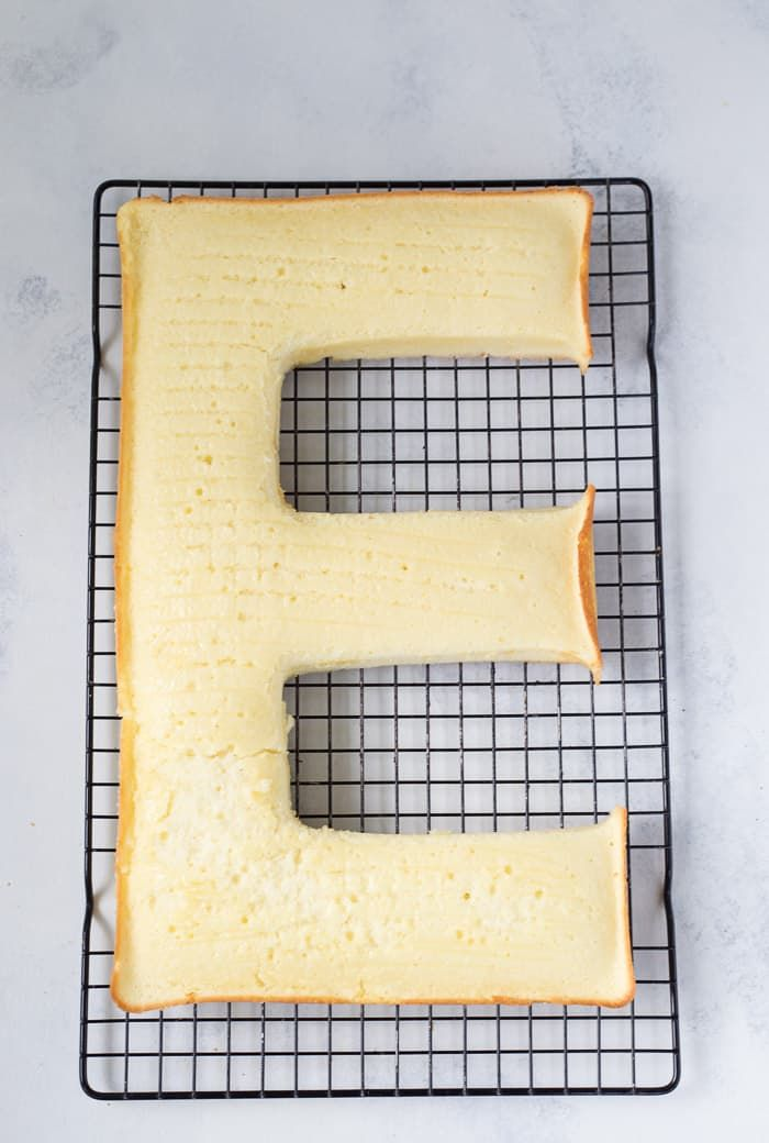 How to Make a Letter Cake #lettercake