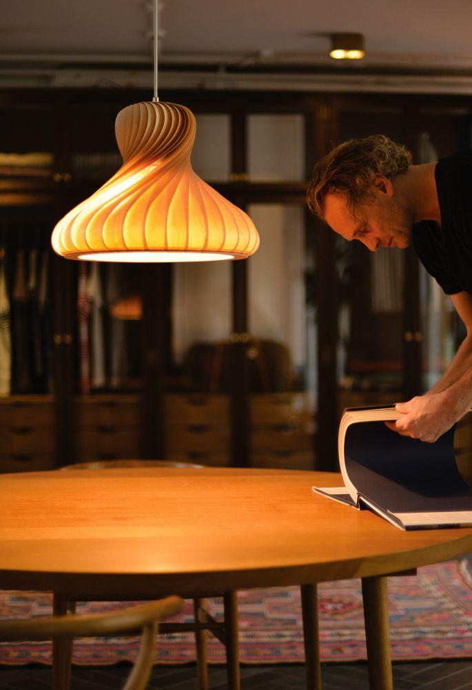 Tom Rossau - Designleuchten aus Furnier | Form, Schöne lampen und ...