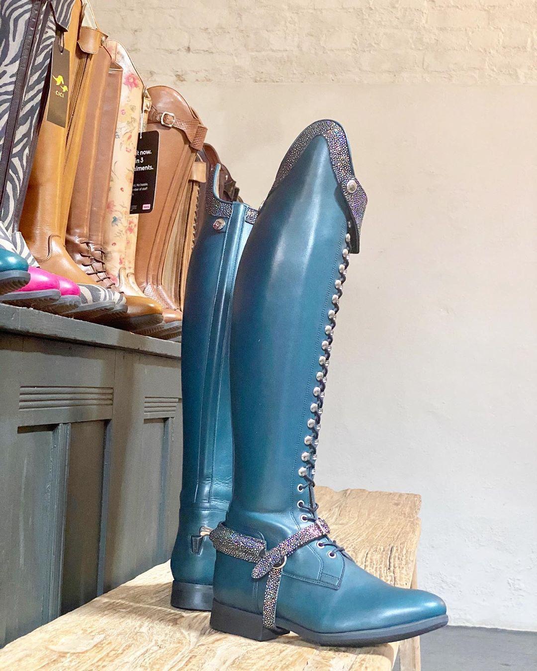 glitter boots canada