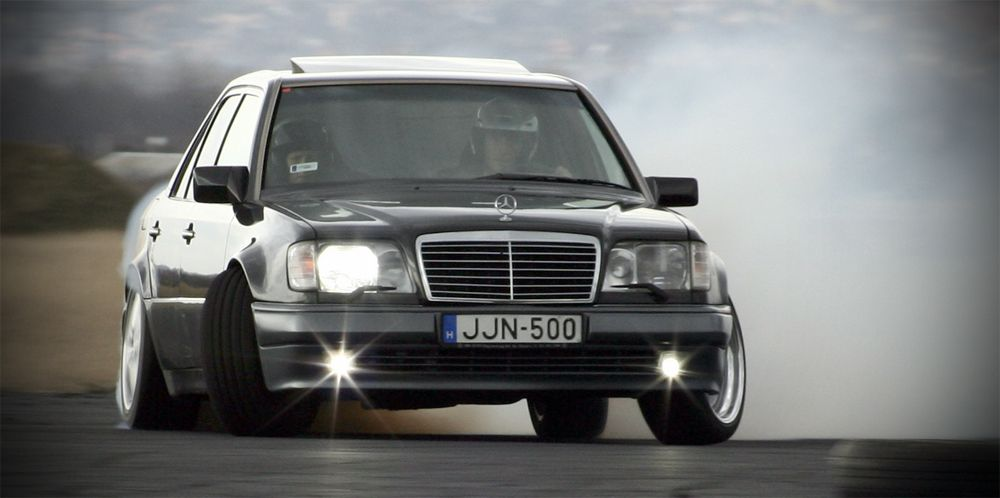 Mercedes Benz E500 Amg Not Only To Match Your Suit Mercedes