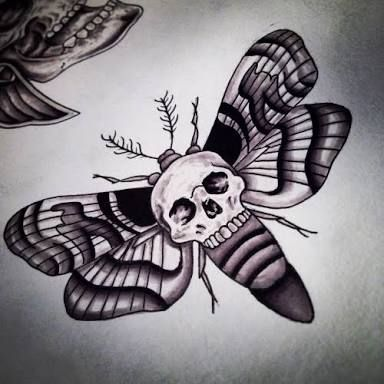 Skull Moth Tattoo Motten Tattoo Traditionelles Tattoo Blitz Death Moth Tattoo