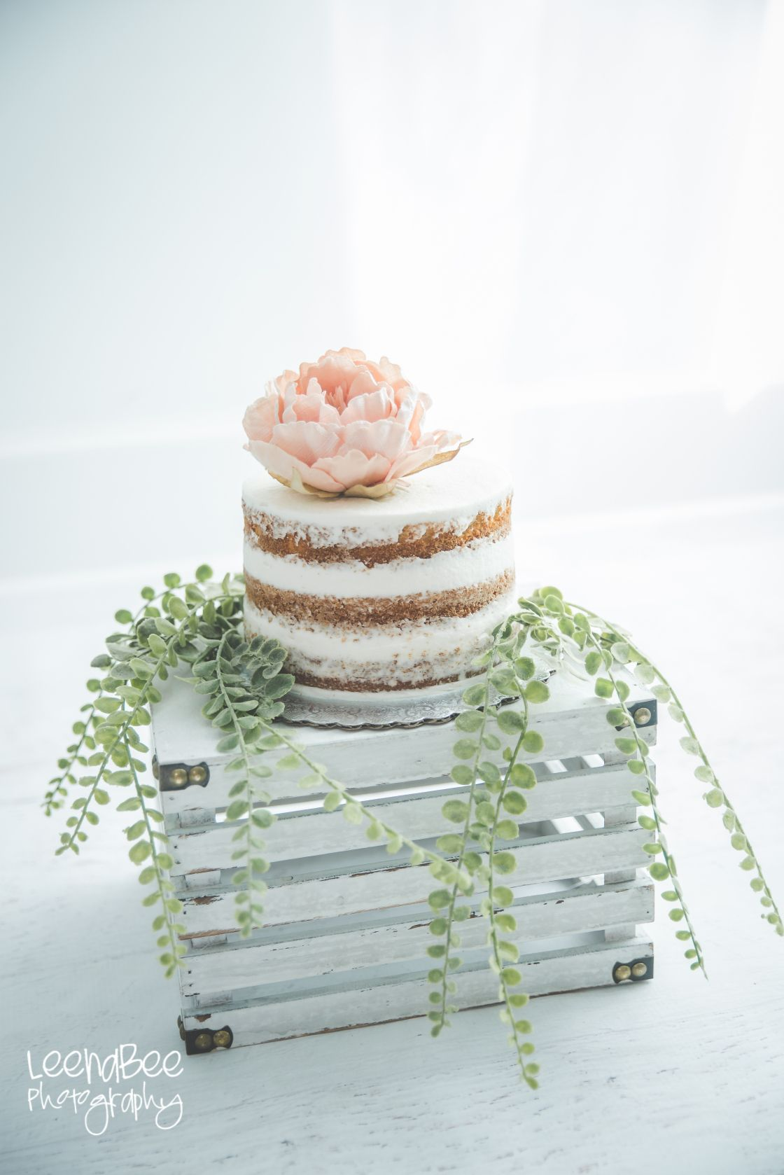 Boho Fl First Birthday Cake Smash White On Dublin Ohio Leenabee Photography
