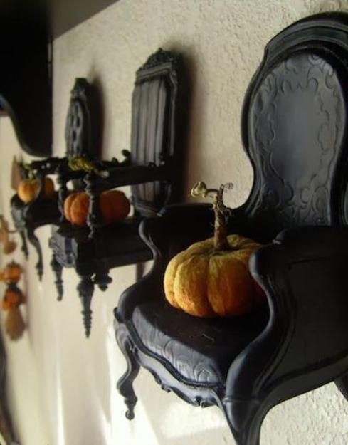 20 Scarily Charming Halloween Decorating Ideas in Vintage Style - vintage halloween decorating ideas