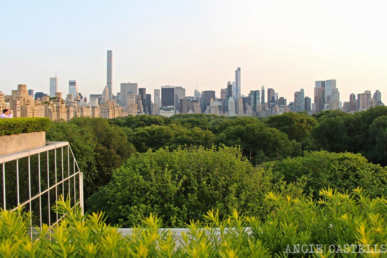Sube a la terraza del museo Met, junto a Central Park, y tendrás unas vistas estupendas de Nueva York. Fechas de apertura e información.