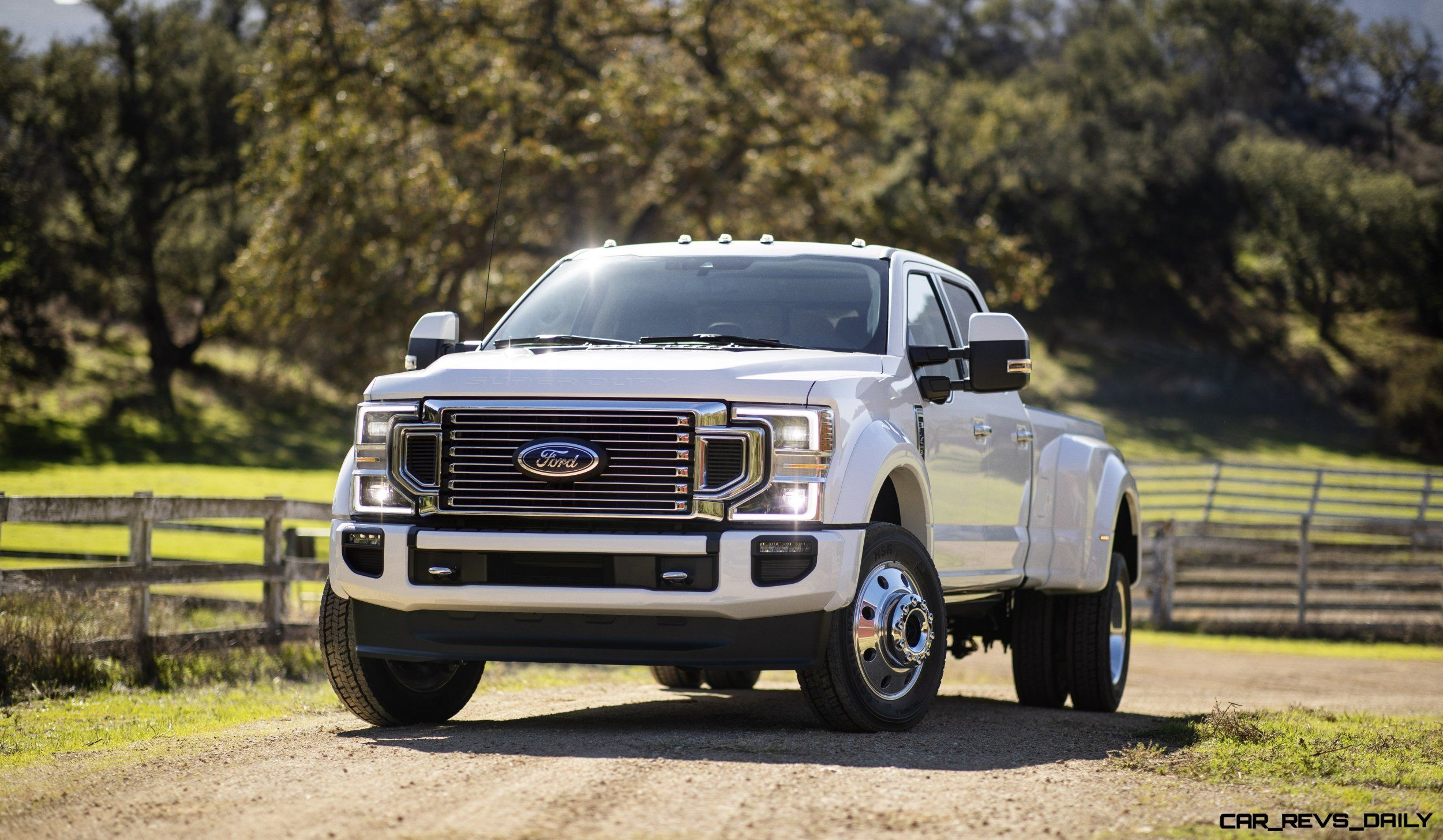 Car Revs Daily Com Ford Cranks Up Horsepower Wars With 2020 Super Duty Debuts New 7 3 Liter V8 Hd Pickup Trucks Pickup Trucks Ford F Series Ford Diesel