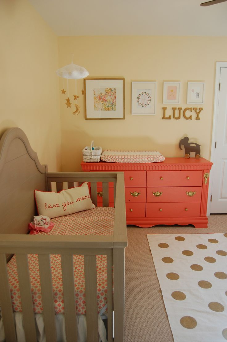 Lucy\'s Gray, Coral and Gold Nursery | Décorations corail, Déco ...