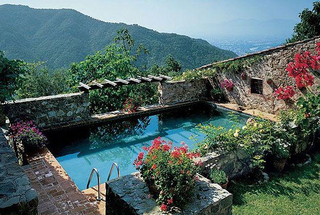 Casa na Toscana Piscina se insere no projeto com sofisticao  My dream things  Piscinas de