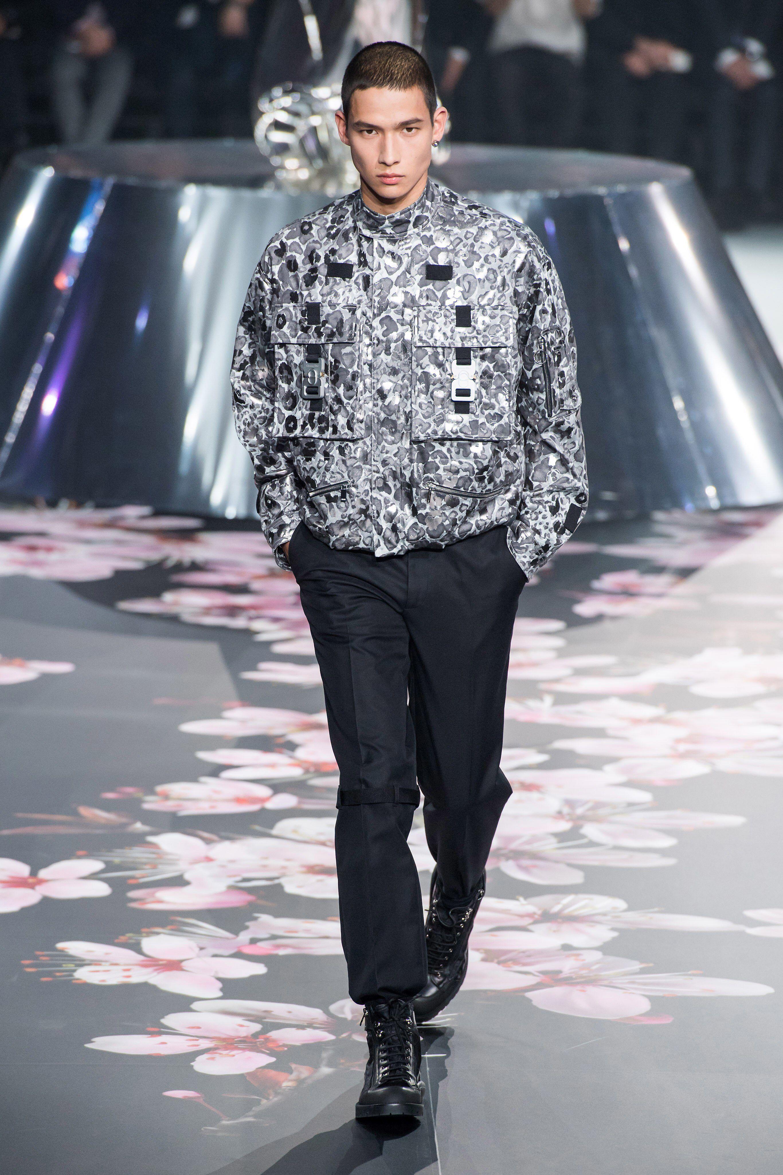 cd8677d9ac40 Dior Men Pre-Fall 2019 Fashion Show Collection: See the complete Dior Men  Pre