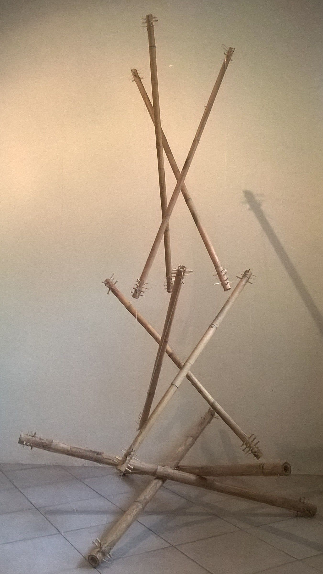 Tune-able tensegrity hatstand using bamboo and fishline string