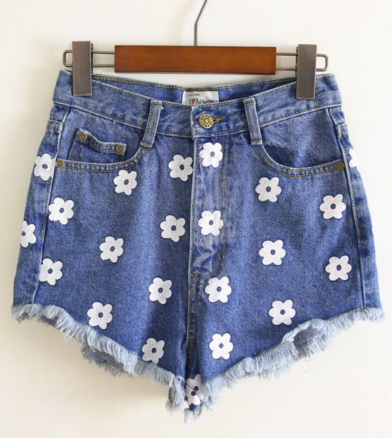 8d534f7045 Blue Flower Print Jean shorts- Sheinside.com 22.50 HOW DID THEY KNOW I  WANTED