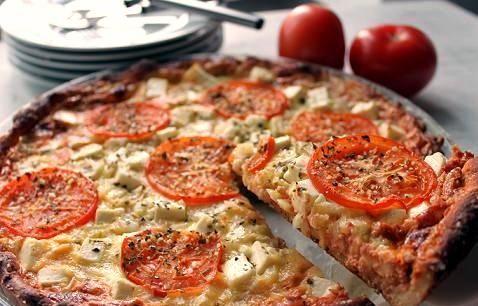 Tomaattinen fetapiirakka