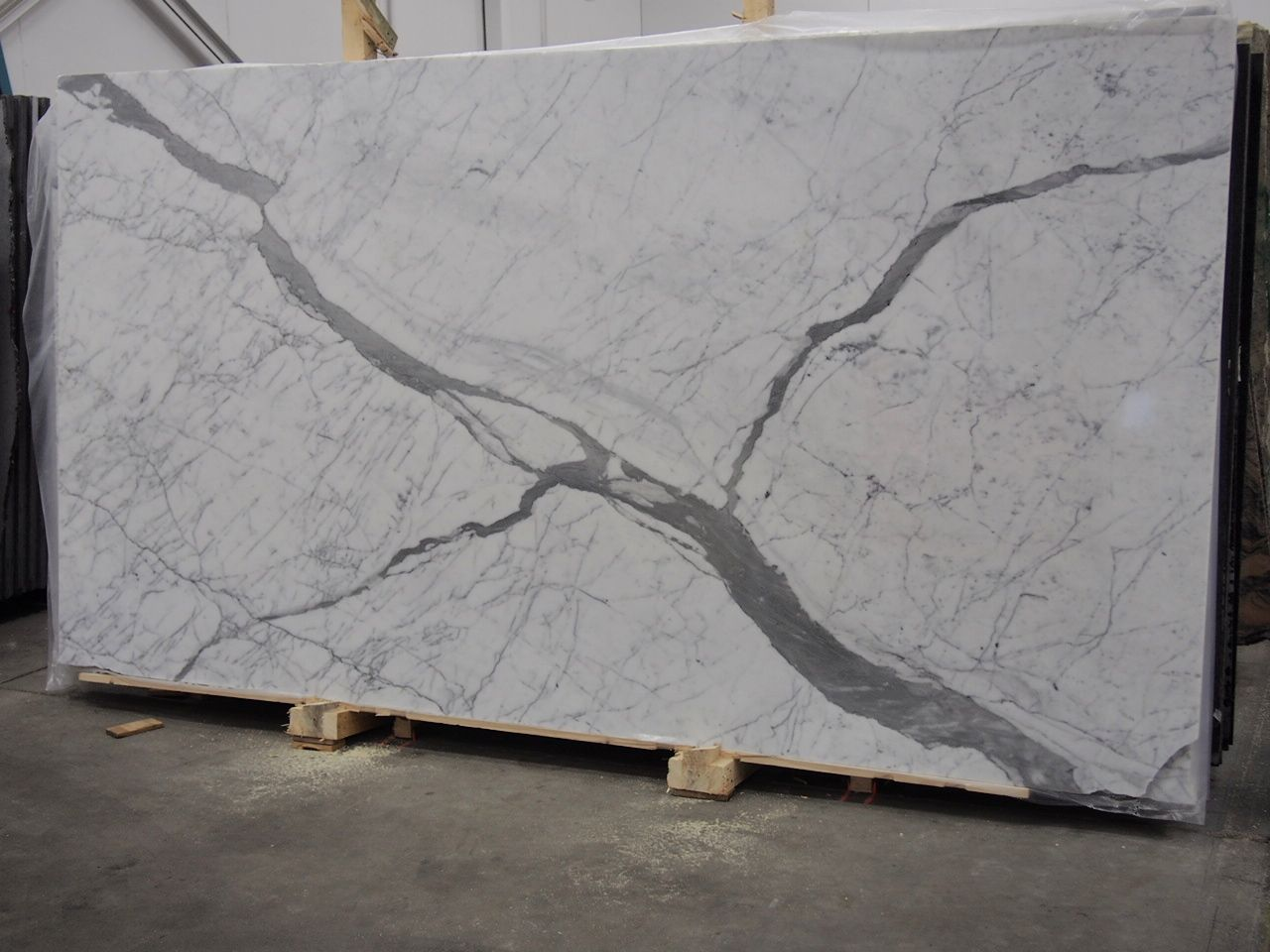 Statuario Premium Marble Slab Sold By Milestone Marble Size 71 X 135 X 3 4 Inches Stone Slab Marble Granite Stone Tiles