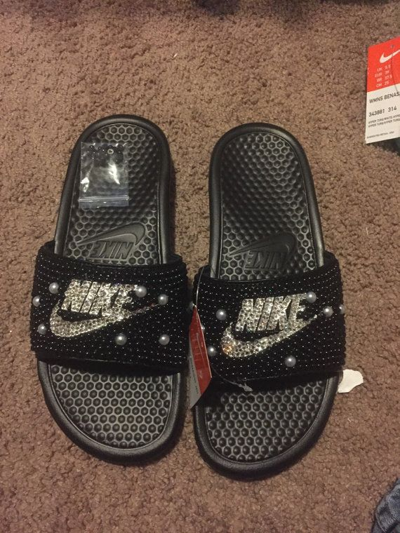 check out c2dcf 21157 Pin by Sharva Wilson on Just do it - Glitter style! ✓   Nike slides, Shoes,  Nike slippers