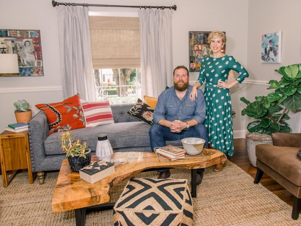 Home Town A Southern Dream In Shades Of Blue Home Town Hgtv Home Town Hgtv Home Living Room Decor