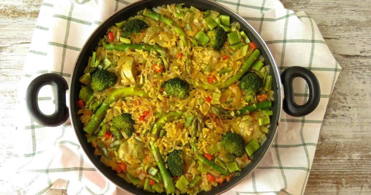 Con Alcachofa Y Brócoli Entre Otros Ingredientes No Dejes De Probar Esta Receta De Arroz Vegetal Que Nos Traen Desde El Blo Recetas De Comida Paella Verduras