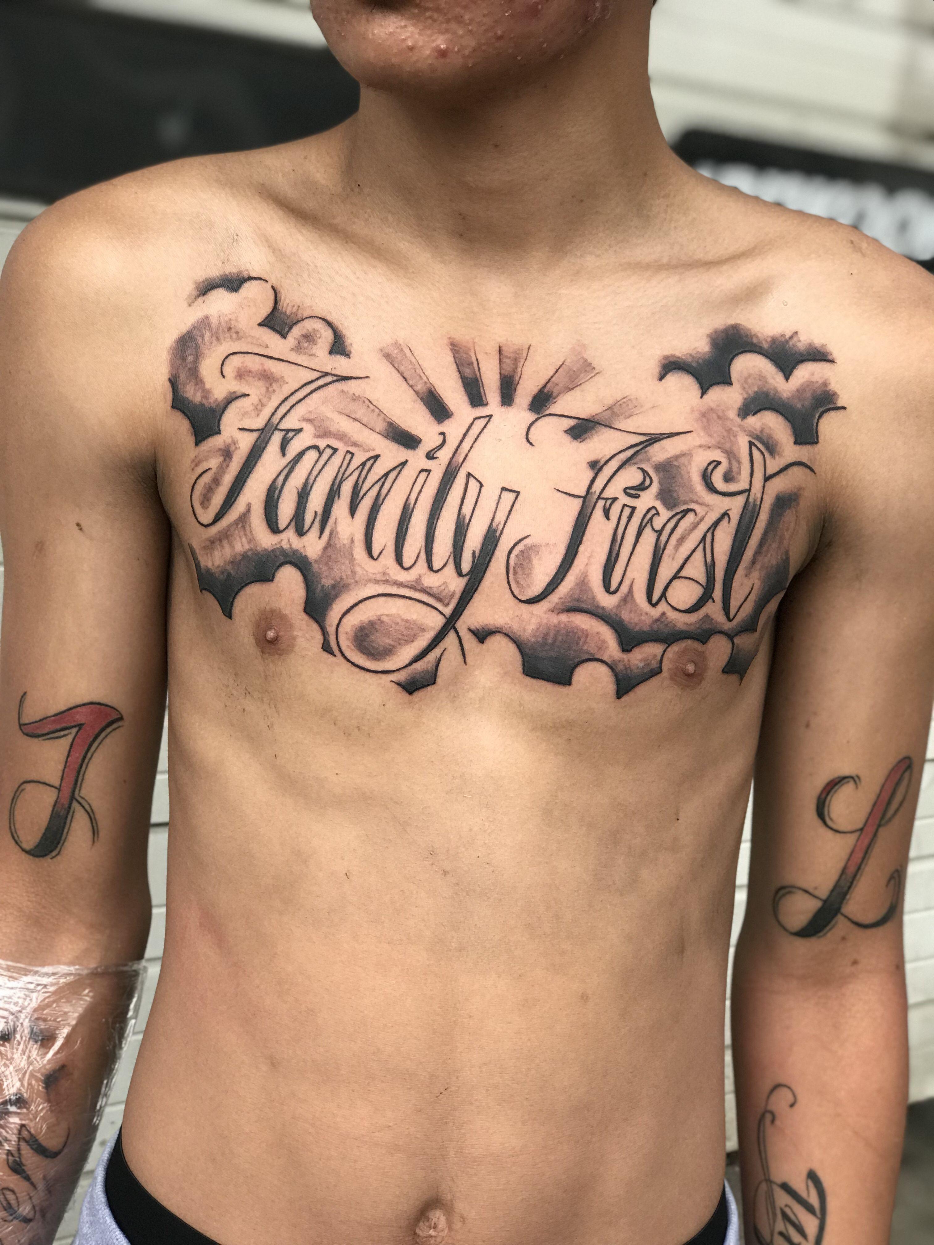 Family First Tattoo Tatuagem No Peito Tatuagem Mascolina Tatuagem No Peitoral Masculino