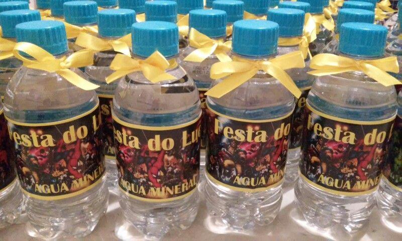 Água personalizada para festas.
