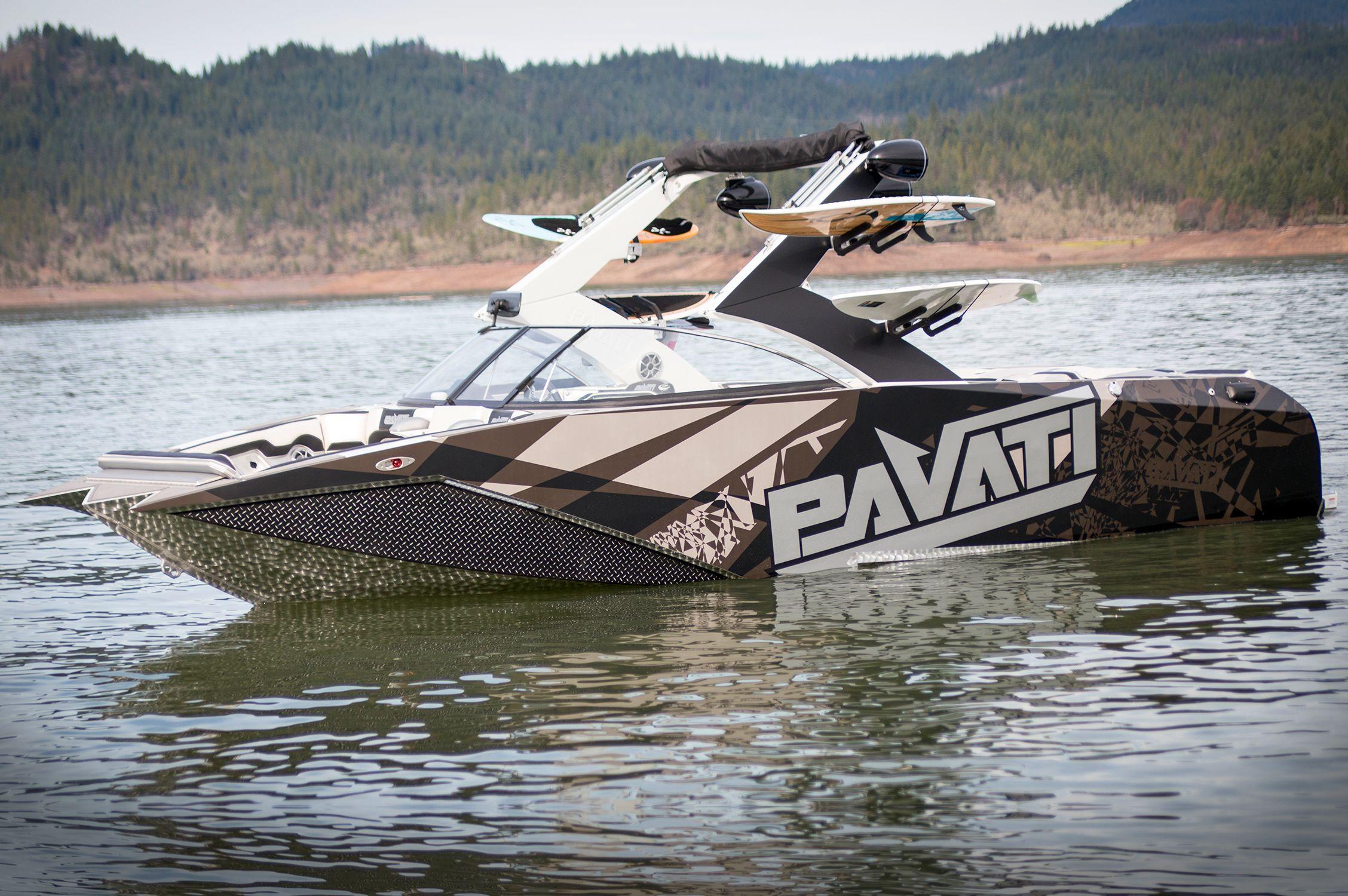 2015 Pavati AL24s Wake Boat w/ Silver Lightning wrap