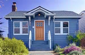 Casas pintadas de azul rey