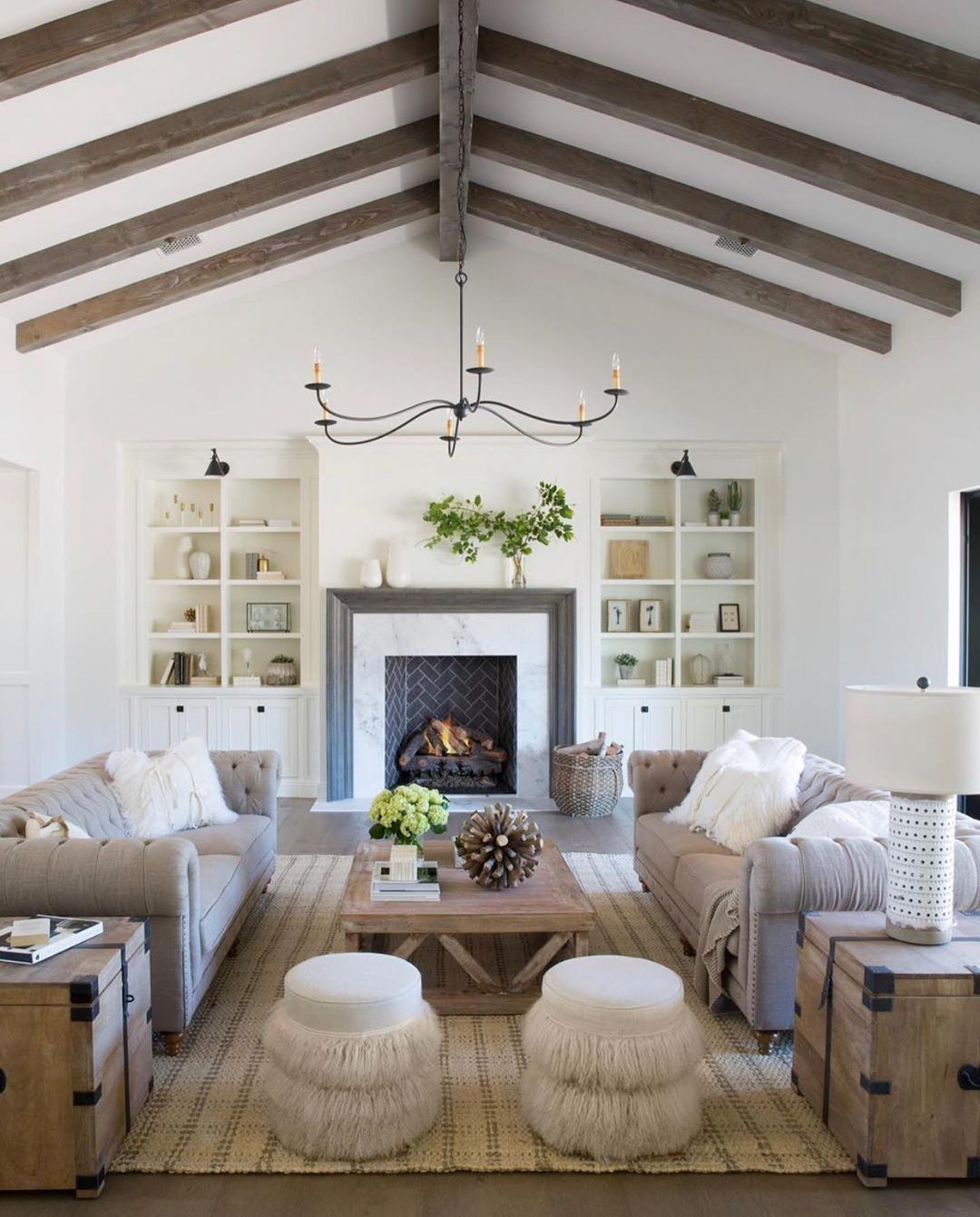 M M Lighting On Instagram Whatever You Do Do It Well Design Jaimeeroseinteriors Ho In 2020 Vaulted Ceiling Living Room Living Room Remodel Living Room Lighting #vaulted #ceiling #living #room #lighting