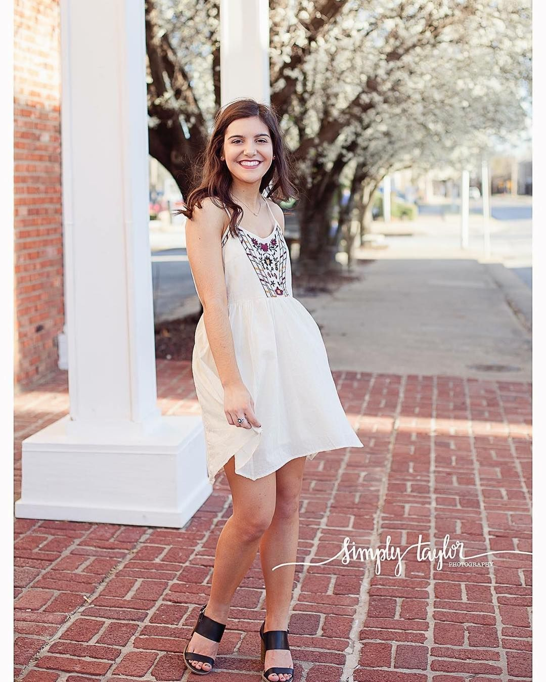 Finishing up sweet Avery's Senior Session today. She's just a doll & made my job a breeze. The beautiful spring like weather in February didn't hurt either. ... ... ... #simplytaylorphotography #simplytaylorseniors #oklahomaseniorphotographer #oklahomaseniors #normannorth #normanseniorphotographer #tulsaseniorphotographer #classof2017