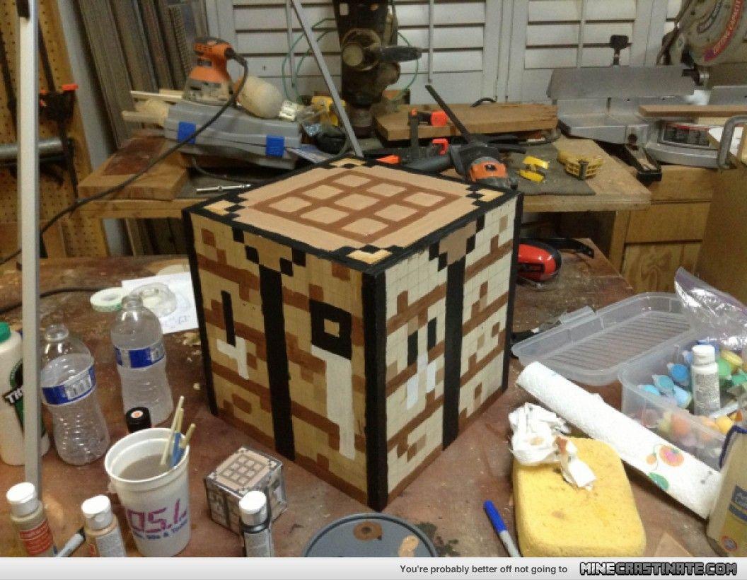 Minecrastinate Com 906 1369766280 Jpg 1056 820 Craft Table Minecraft Room Craft Table Diy