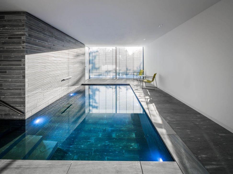 moderner pool naturstein valser quarzit wohnhaus k ln. Black Bedroom Furniture Sets. Home Design Ideas