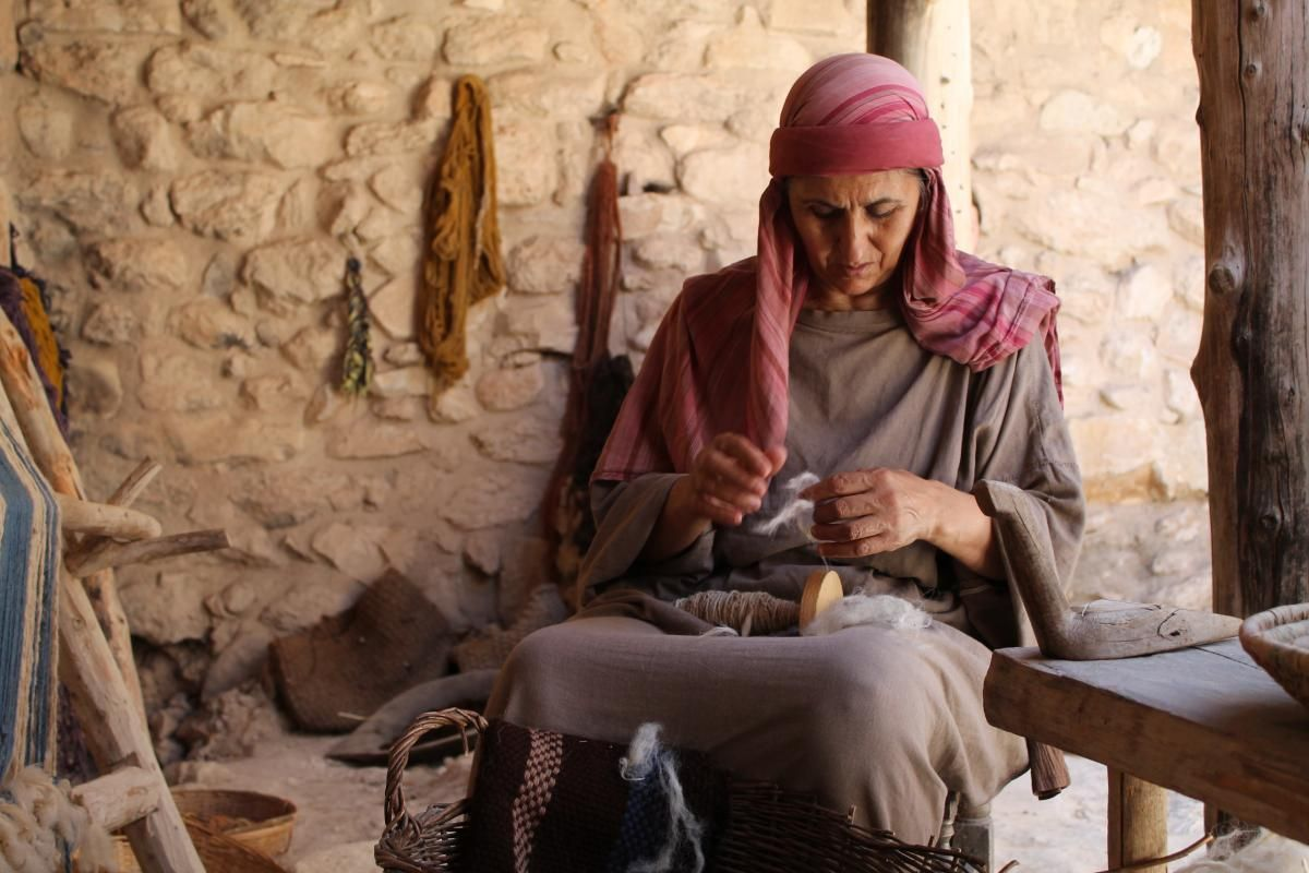 Ancient hebrew women clothing google search inspiration for ancient hebrew women clothing google search publicscrutiny Images