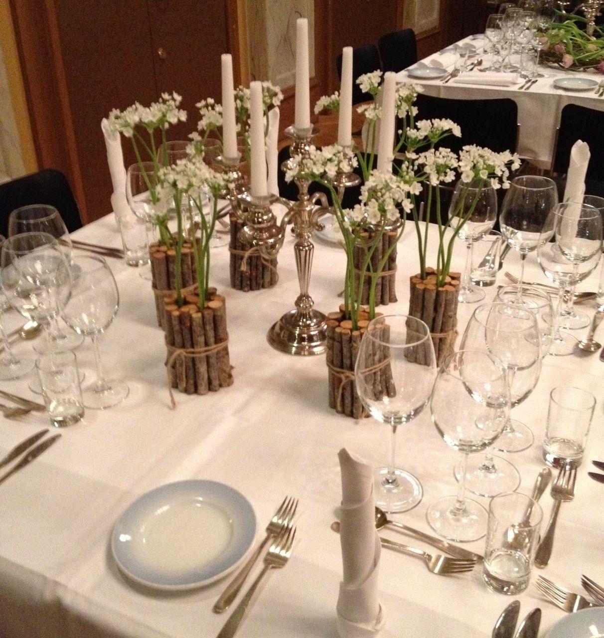 borddekorationer gør meget for borddækningen. Borddekorationer kan mache jeres brudebuket og knaphulsblomst.