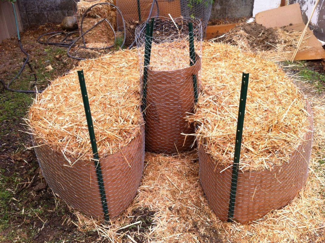 straw bale keyhole garden … | my newest passion | Pinte…