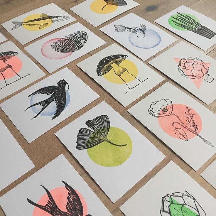 "Photo of @atelierpiquepuce shared a photo on Instagram: ""Petites cartes en préparation… . . . #printing #linocut #gravure #linogravure #rubberstamp #stamping #tampon #gommeagraver #printmaking…"" • Nov 27, 2018 at 6:15am UTC"