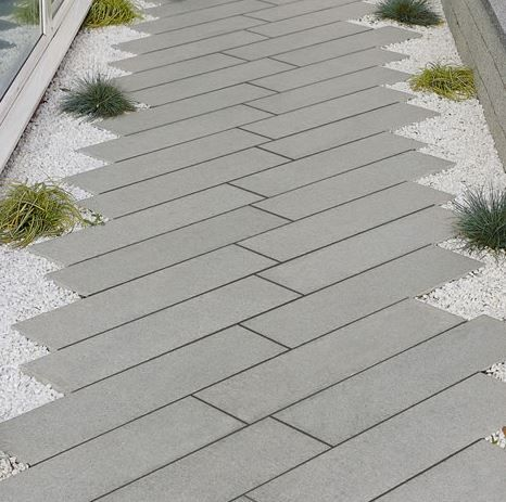 Photo of Grey granite plank paving – excellent incorporated into a modern or contemporary…