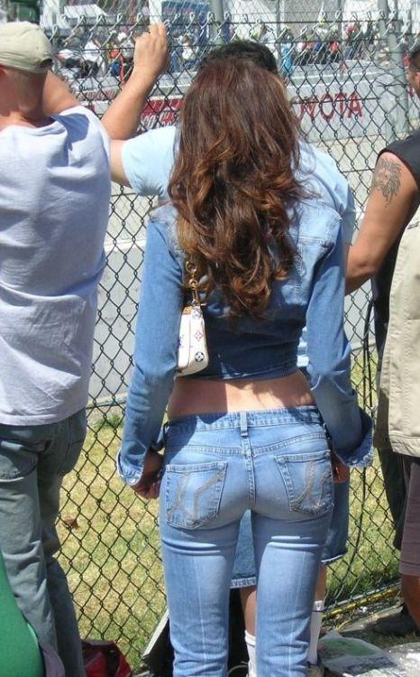 Pin van Gijs de Plasser op Tight jeans in 2020 (met