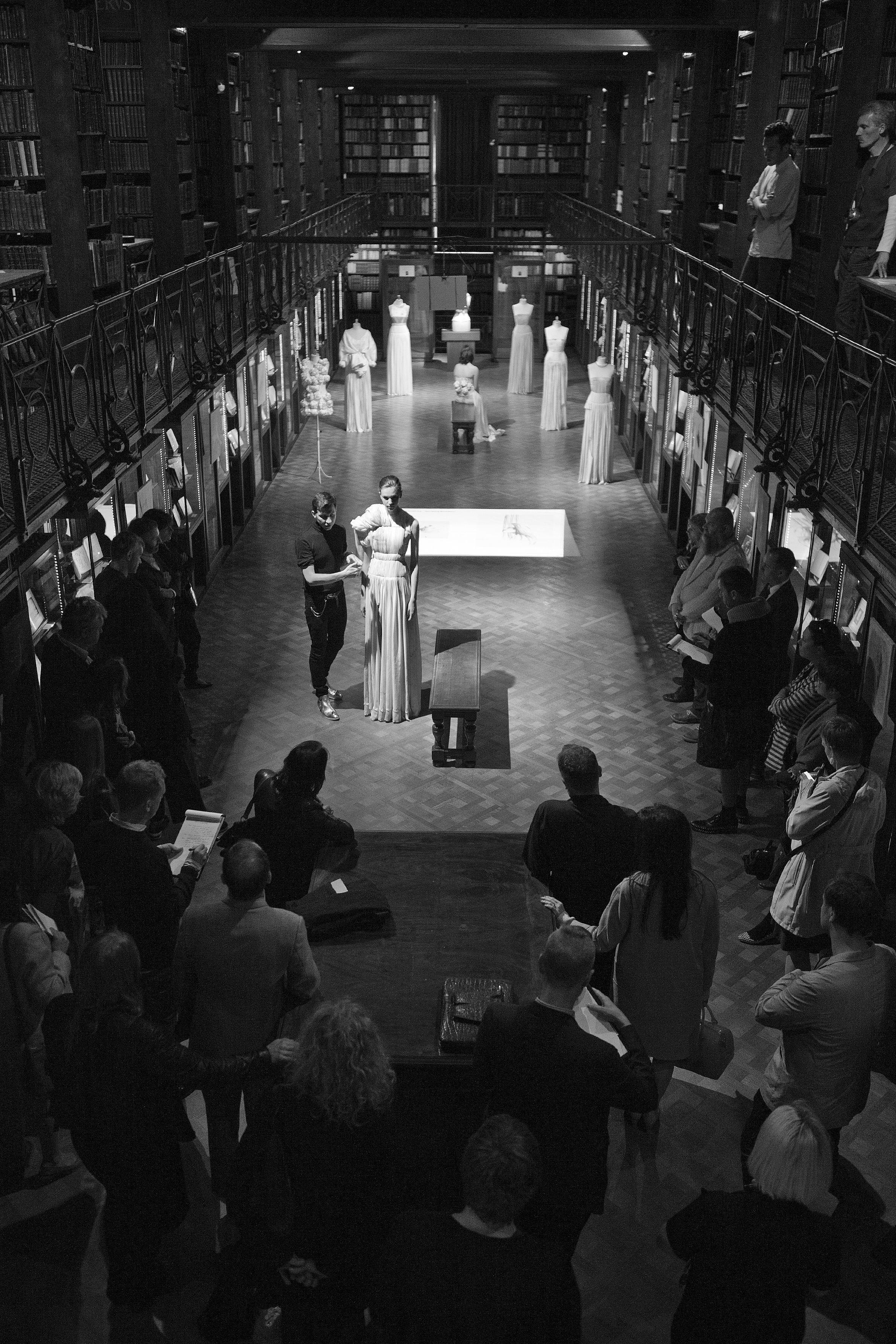 Photographer Dirk Alexander_Marius Janusauskas presentation at Erfgoedbibliotheek Hendrik Conscience