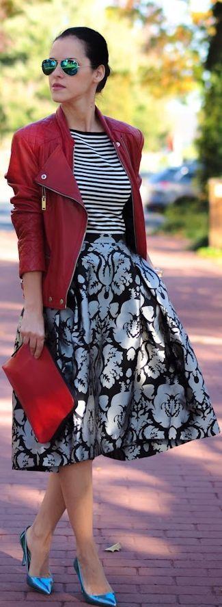 Mix de estampas com jaqueta vermelha
