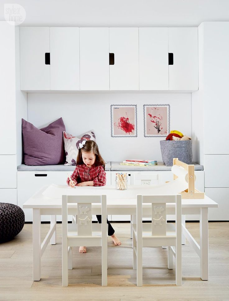 Photo of Children's studio – Instead of a small children's desk, there is a large coffee table with … – Do it yourself decoration