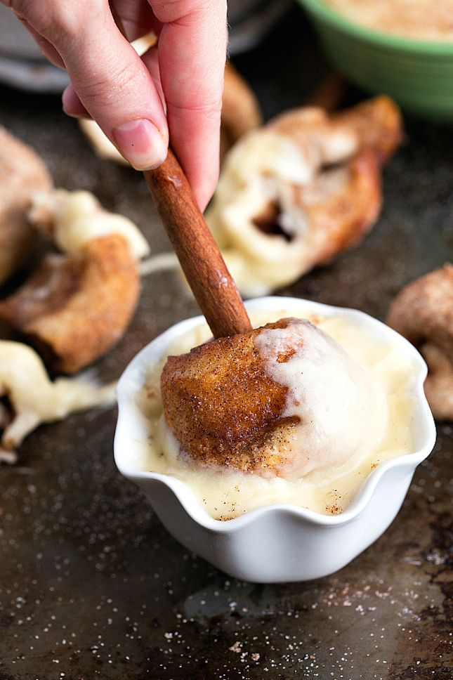 Cinnamon Roll Fondue? Yes, please!
