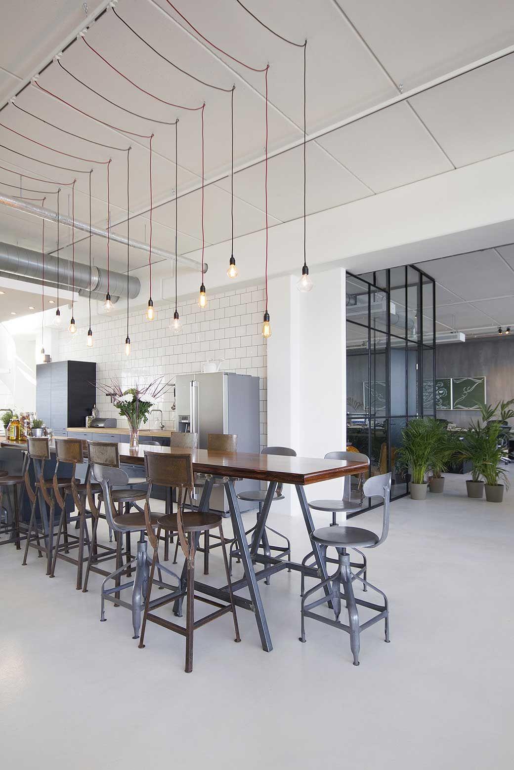 BrandBase Develops New Office as a Hotel | Büros, Werner und Lampen