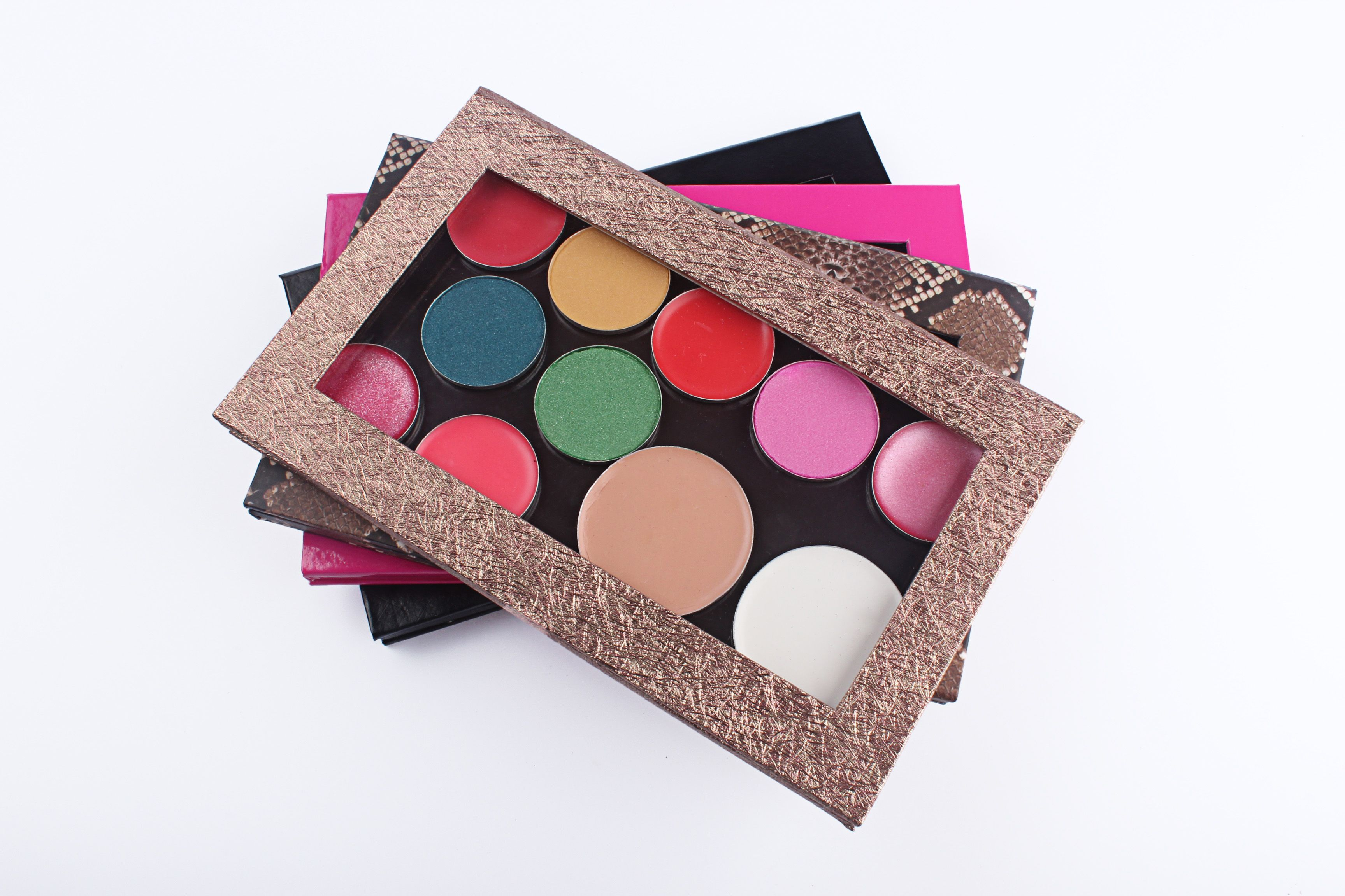 empty makeup palette which can fit in different