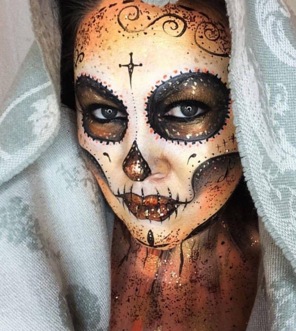 Halloween Chiesa.Pin By Shauna Chiesa On Halloween Halloween Face Halloween Face Makeup Face Makeup