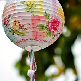 Decorate your chinese lamp using really few supplies and make it look totally different!