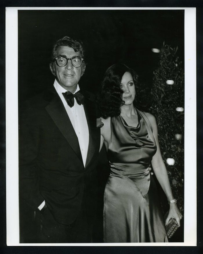 1970s dean martin phyllis davis vintage original photo dean martin show gp dean martin and dean. Black Bedroom Furniture Sets. Home Design Ideas