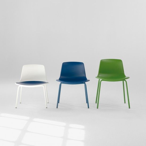 The Enea Lottus Child XS chair is available in three sizes. The base can be lacquered or chromed and the shell can be polypropylene in one colour or combined with a polypropylene or lined pad