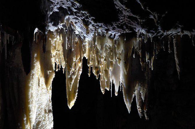 Visitar Cueva El Soplao Cantabria Kamaleon Travel Cuevas Pinturas De Pared Paisajes Espectaculares