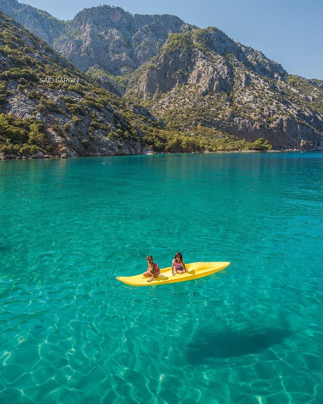 Bu Sicaklarda Olmak Istedigim Yer Adrasan Sazak Koyu Buraya Adrasan Dan Kalkan Gunubirlik Tekne Turlari Ile Gidebilirsiniz Surfboard Travel