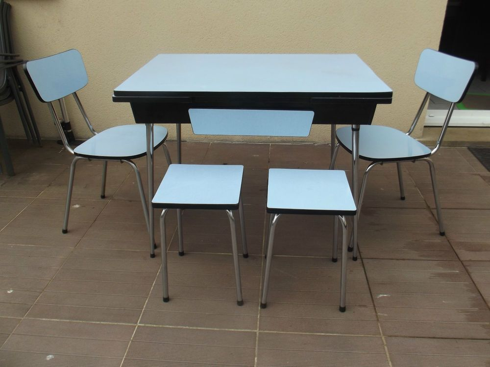 Ancienne table 2 chaises 2 tabourets en formica vintage for Chaise annee 80