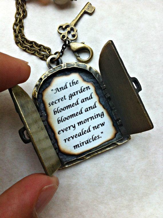 Collana di amicizia, collana personalizzata, antico medaglione collana, citazione di amicizia, giardino segreto collana, collana ciondolo porta segreta